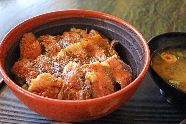 12ステーキ丼�IMG_1005