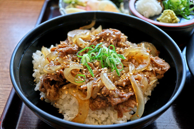 12焼肉丼IMG_5415