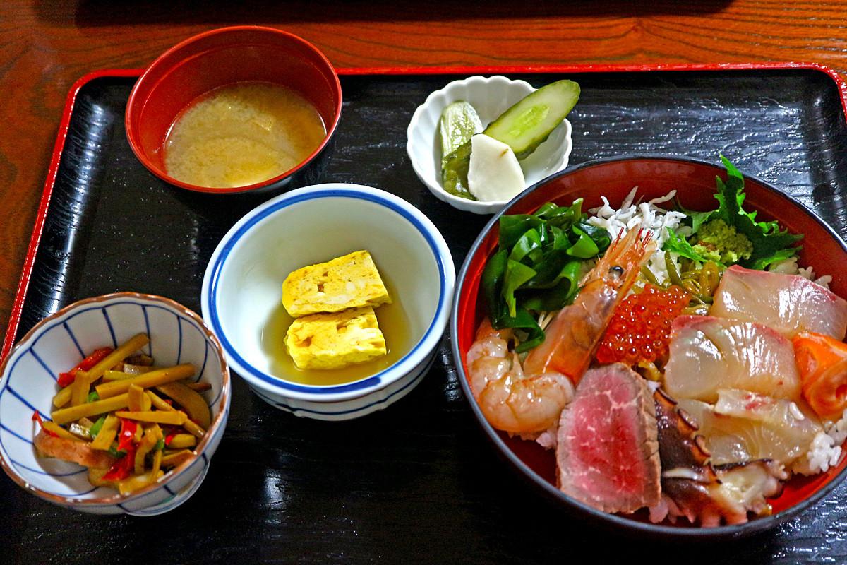 12海鮮丼定食IMG_0136