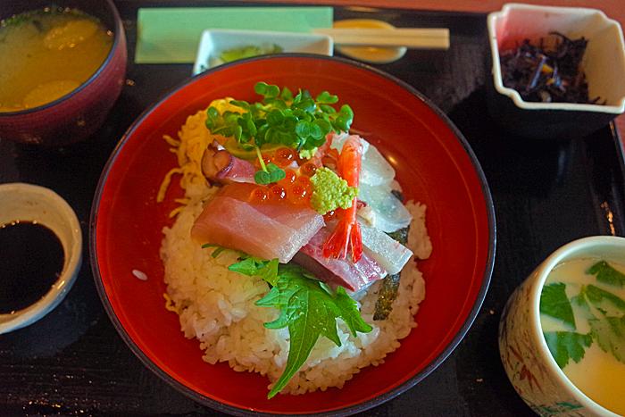 70海鮮丼R0300381