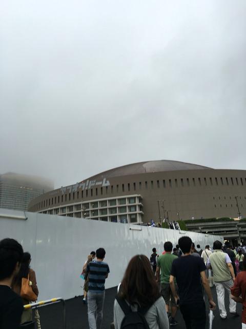 福岡のヤフオクドームの外観