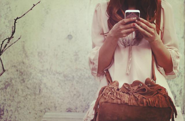 営業の為にブログを書く風俗嬢の画像