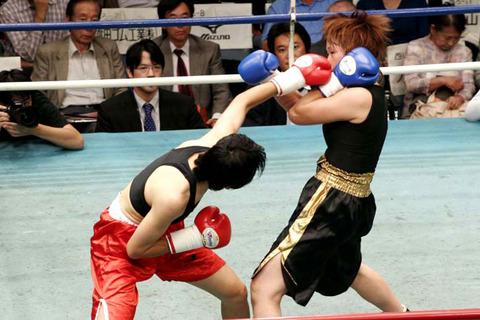 カイ・ジョンソン vs 稲本真理