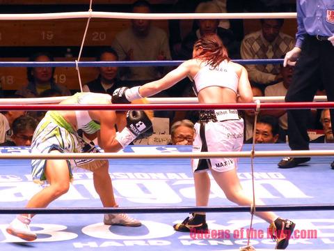 黒木優子 VS 花形冴美 �-60