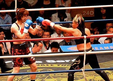 谷村郁恵 vs V一