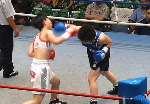 小笠原恵子 vs 半谷美里