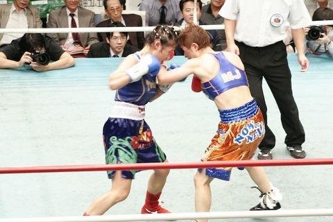 藤岡奈穂子 vs カニター・ゴーキャットジム