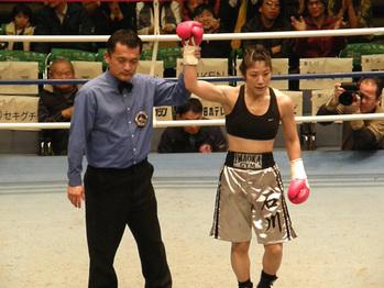 石川選手勝利