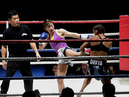 エイミー・デイビス vs 安倍基江