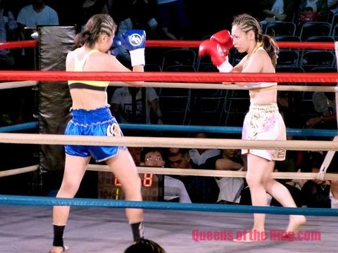 Momoka_Sakigake_vs_Reina_Sato_8