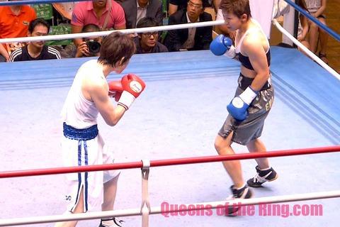 菊川未紀 vs 東郷理代