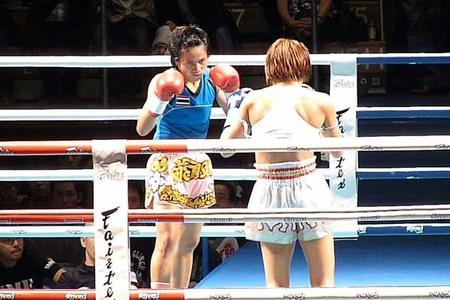 神村江里加 VS トーンター
