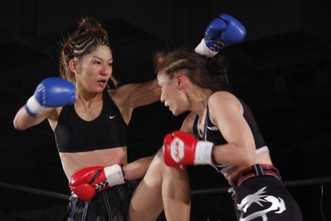 岡加奈子 vs 正木純子