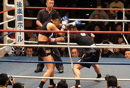 AZUMA vs 成沢紀予