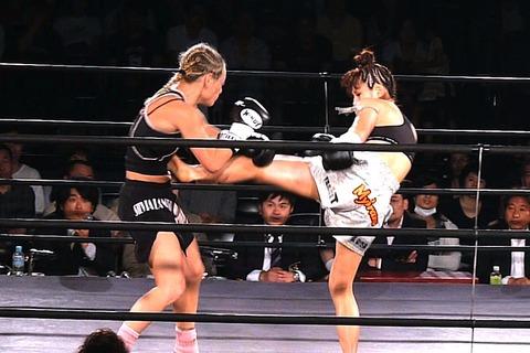 神村エリカ vs シルビア・ラノッテ