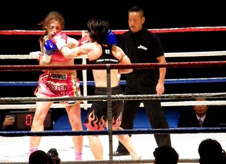 ジョアンナ vs 佐々木仁子