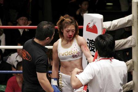 藤野恵美 vs レーナ