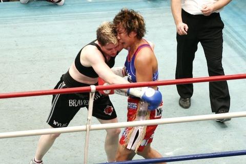 風神ライカ vs ブロンウィン・ワイリー