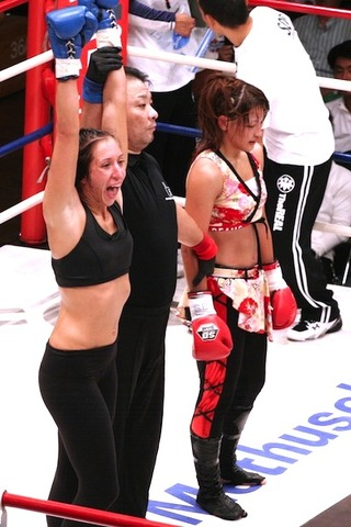 RENA vs ジェシカ・ペネ