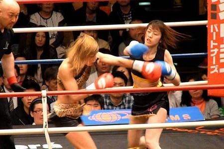 渡辺久江 vs 井川惠