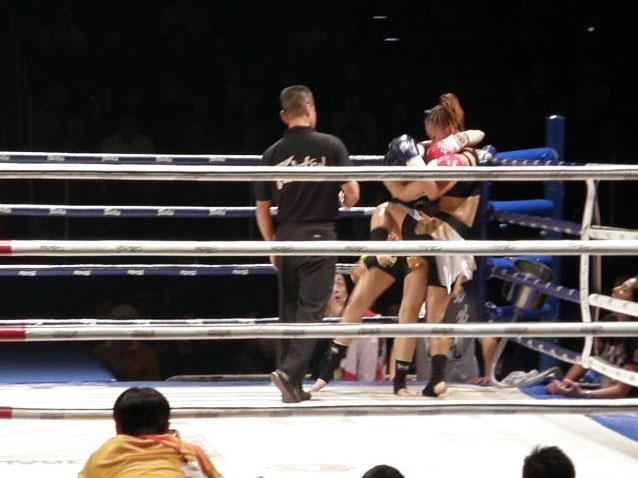 1R岡田ヒザ