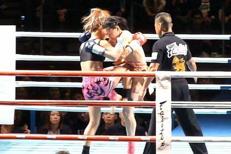 岡田敦子 vs ちはる