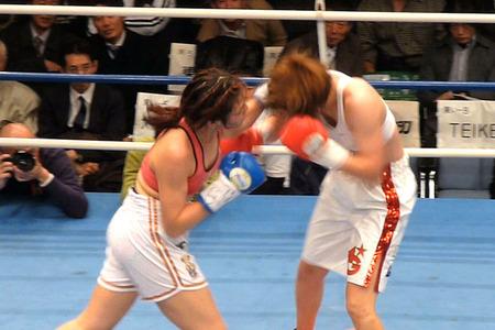 水谷智佳 vs キム・ジユン-2