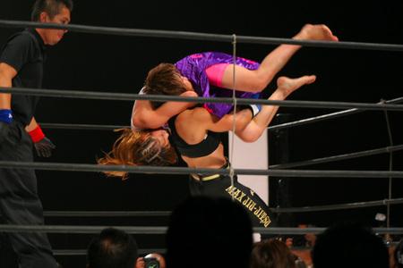 岡田円 vs V一