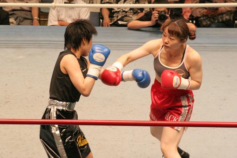 丸山礼子 vs 三好喜美佳