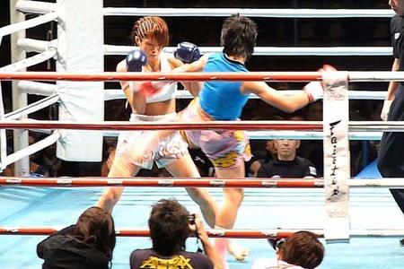 神村江里加 VS トーンター・シットソーコーカムロン