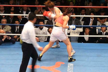 水谷智佳 vs キム・ジユン-1