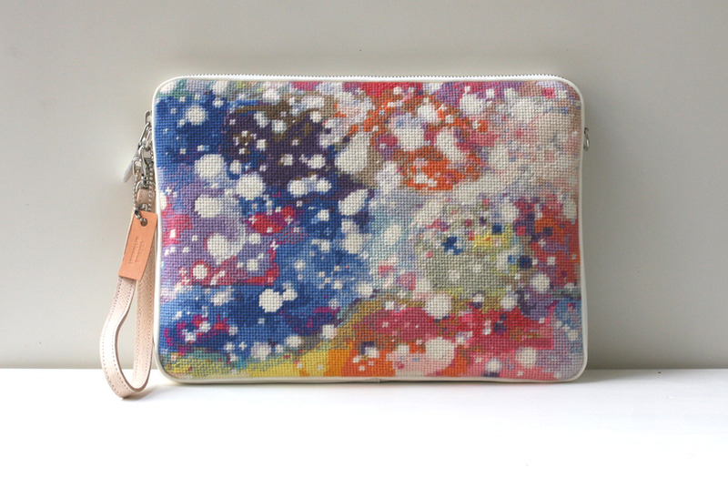 snow-large-color-clutch
