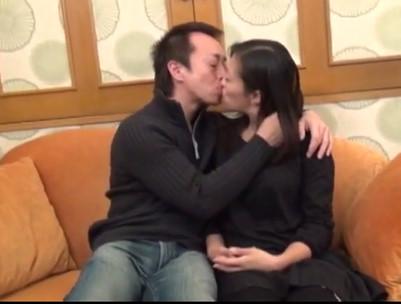久しぶりのセックスでイキまくる人妻