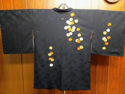 豪華な刺繍の黒絵羽織/仕立て替え