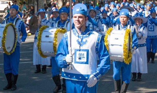 2016-4-16-falun-gong-ucdavisparade-05