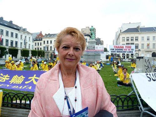2016-7-16-falun-gong-eu-belgium-09