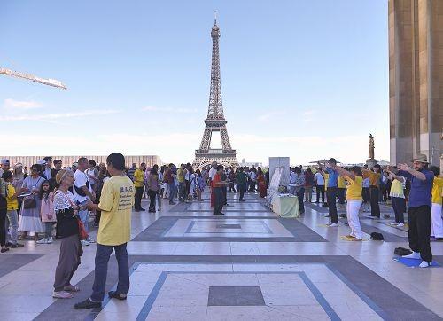 2016-9-13-paris-petition-01