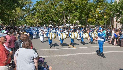 2016-4-16-falun-gong-ucdavisparade-02