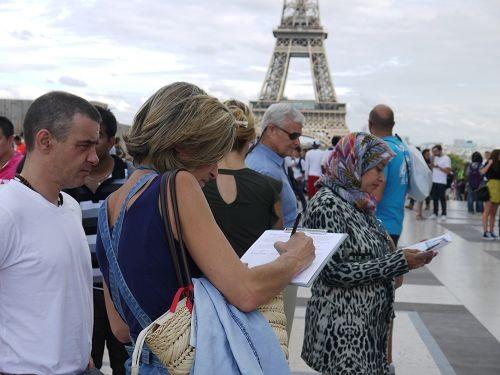 2016-9-13-paris-petition-04