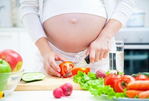 Bị suy dinh dưỡng bào thai là do 4 việc làm này của mẹ bầu