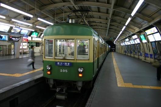 夜の江ノ電