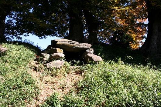 青塚 石室