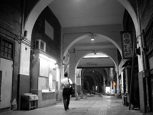 国道駅の夜2