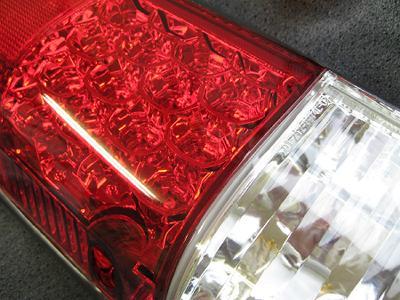 LEDクリスタル 赤白テールレンズ