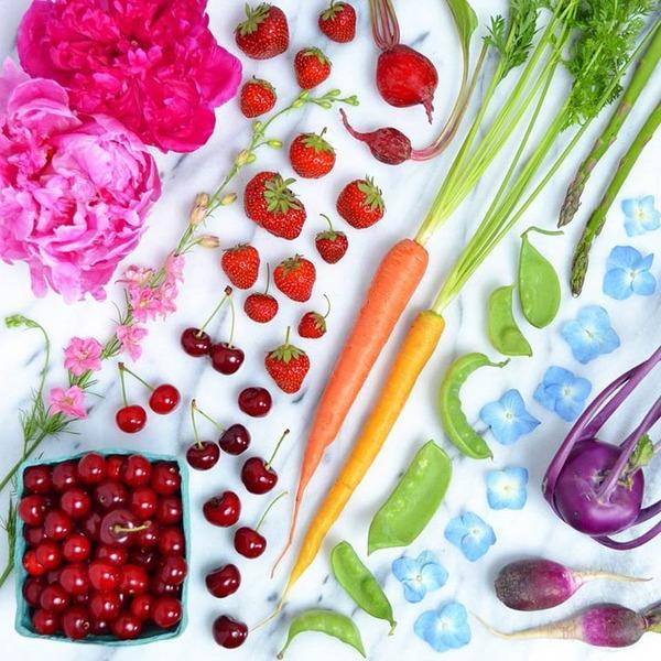 物で虹の色彩を作るアート写真プロジェクト (17)