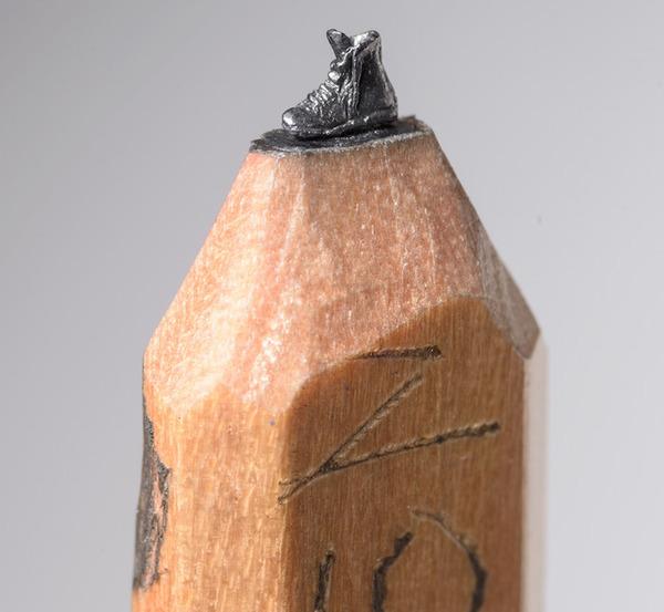 手先器用すぎ!機関車他、鉛筆の芯に彫る超小さな彫刻 (9)