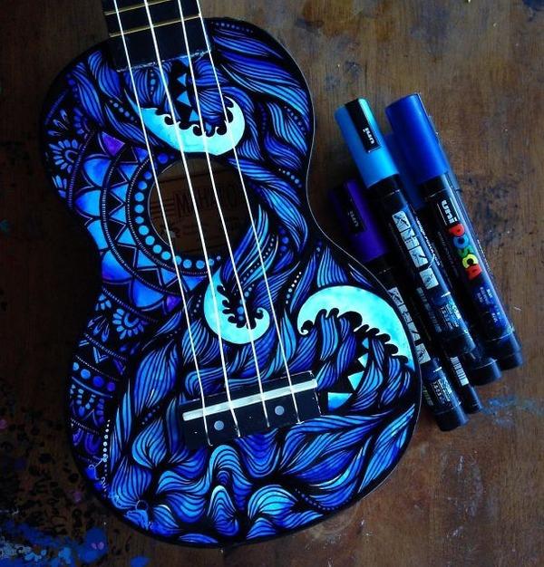マーカーペンを使用して楽器にお洒落なペイント! (7)