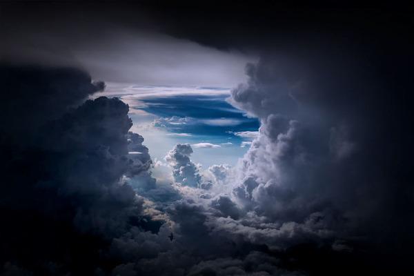 コックピットから撮影された壮大な空の写真 (9)