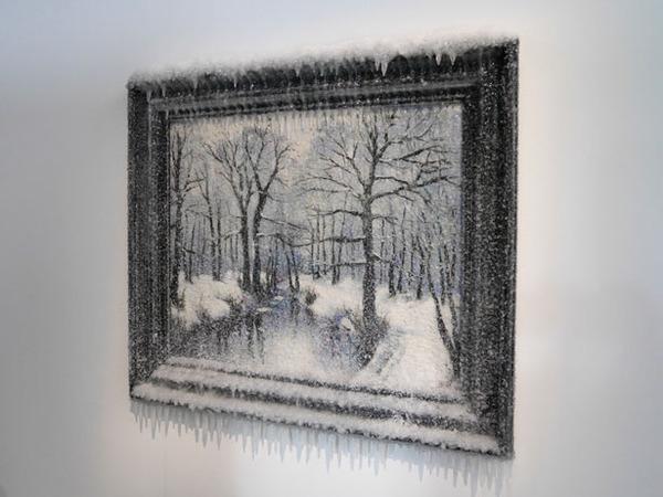 凍えるような寒さが伝わってくる!等身大レプリカと絵画の展示 (4)