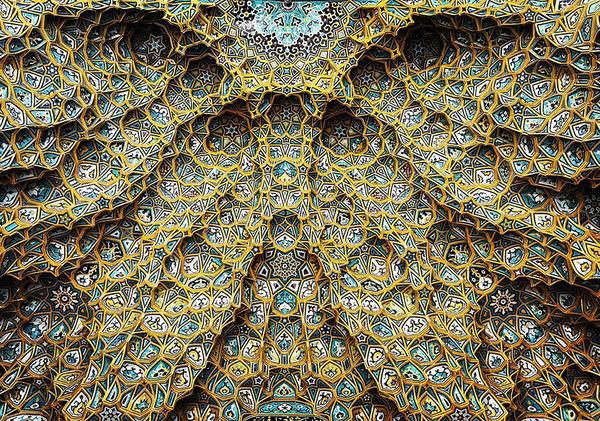 万華鏡のような美しさ。イランのモスクの建築美 (8)